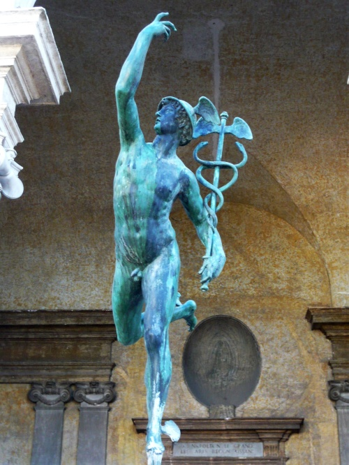 Statue en bronze du dieu Mercure